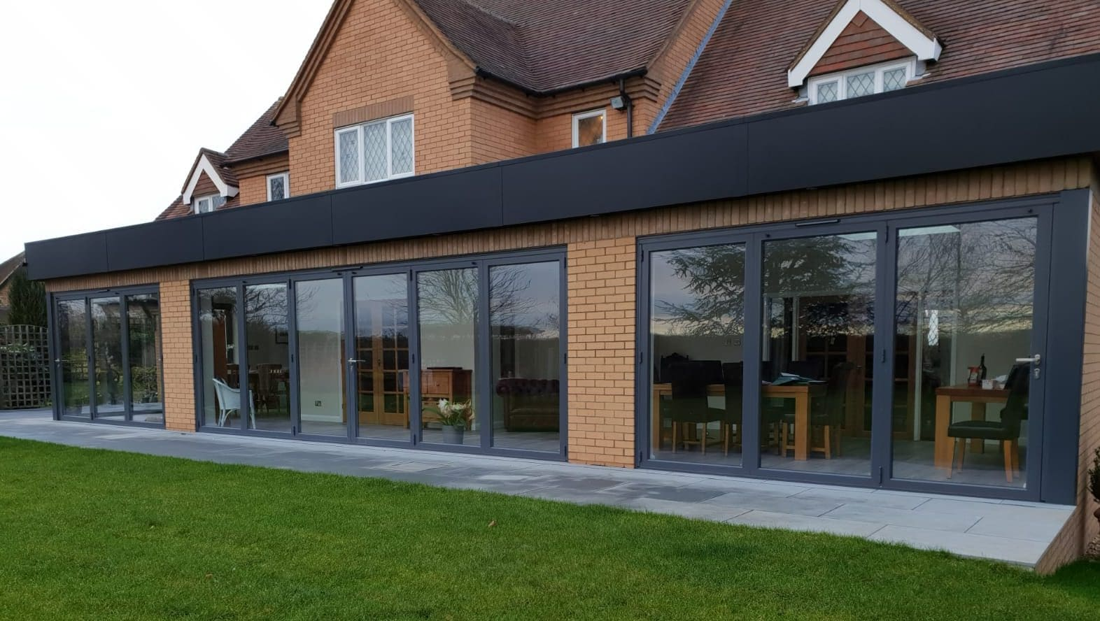 Origin bi folding doors in Bedfordshire